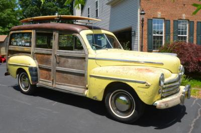1948-ford-super-deluxe-woody-station-wagon-3.jpg